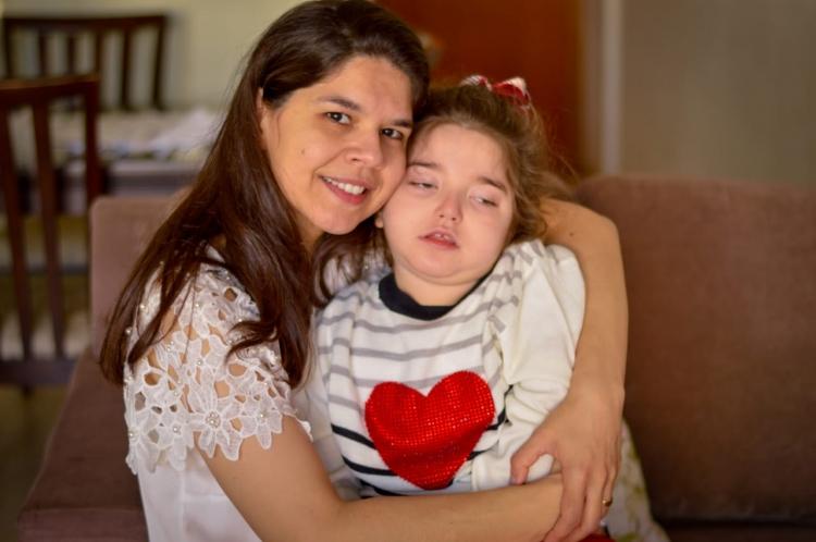 Mães que tratam filhos com Canabidiol se unem por informações e contra preconceito